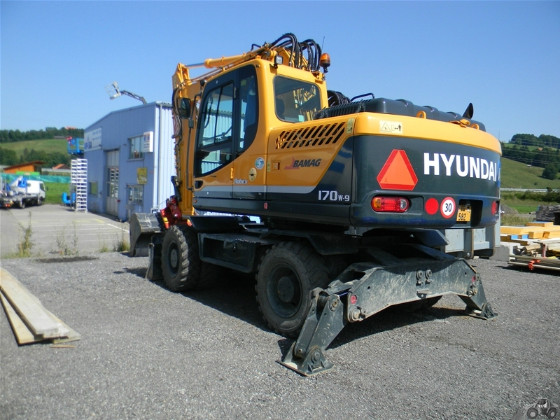Hyundai 170 W 9