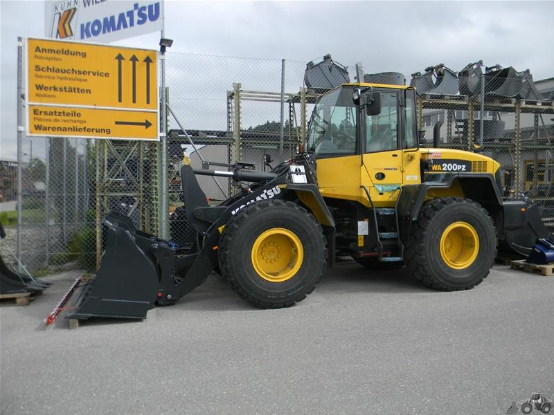 Komatsu WA 200 PZ