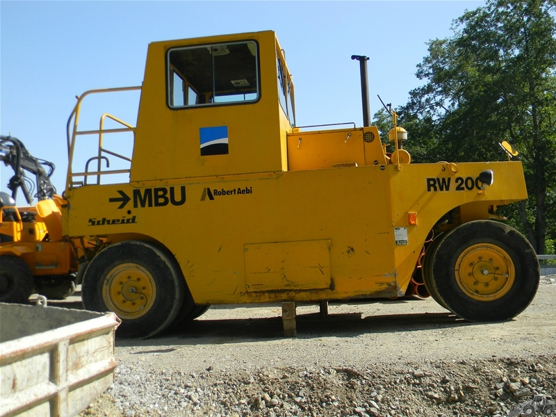 M B U RW 200