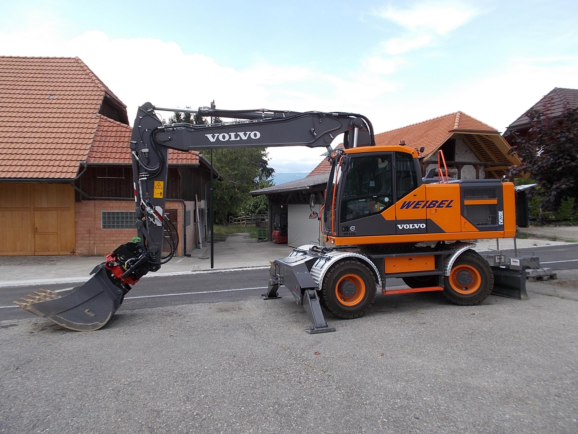 Volvo EW 220 E