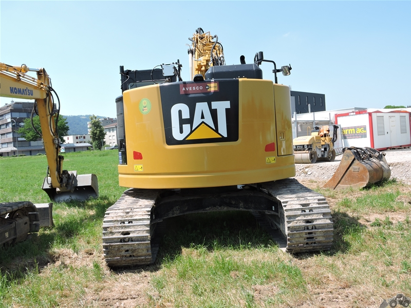 Caterpillar 325 FL CR